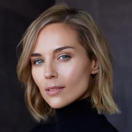 Tanya Van Graan headshot